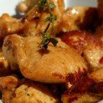 Knuspriges Hühnchen zum Ceasar Salad
