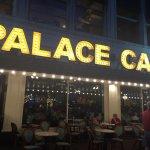 Photo de Palace Cafe