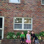 Kids in front of Braeburn Cottage!