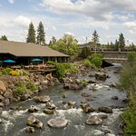 Photo de Riverhouse on the Deschutes