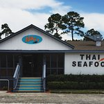 New Niki's Seafood and Thai restaurant