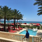 Alfresco dining at Acqualina