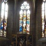 Stiftskirche-vitrais do fundo da igreja