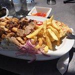 Makis Restaurant Cafe
