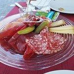 gemischter Fleischteller mit Käse