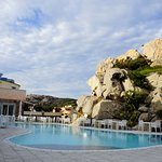Pool mit Blick auf Restaurant