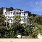 Hotel Triesta vom Strand aus gesehen