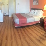 Here is remodeled rooms and bathroom for this motel 6 Frackville PA.