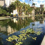 Foto de Botanical Building and Lily Pond