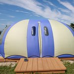 The resort has 3 bubble tents available for rent. They come with all bedding, towels. Roomy, pri