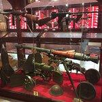 Croyez-le ou non, ces armes viennent de sources privées!