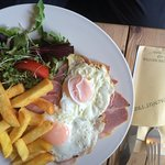 Walnut Tree Ham egg and chips