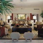 Arena Suite Livingroom