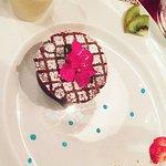 dessert : Fondant au chocolat, crème anglaise et glace pistache.