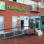 Holiday Inn Calais Hotel main entrance