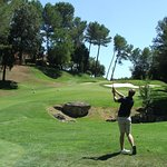11 second shot up the hill. Warning - hitting the fairway will block you from going to the pin (