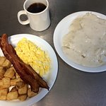 Breakfast - Best Biscuits & Gravy