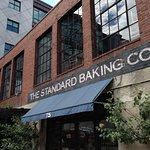 Photo de Standard Baking Co.