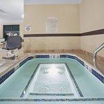 Photo de Holiday Inn Hotel & Suites Trinidad