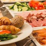 Breakfast buffet at Max's, Northern Light Inn