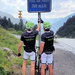 Conquering the Offen Pass del Fuorn before descending to Zernez whilst riding the #proseccotolon