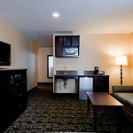 Photo of Holiday Inn Express Hotel & Suites Woodland Hills