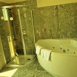 Jet Bath & Shower