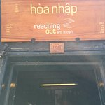 Photo de Reaching Out - Hoa Nhap Handicrafts