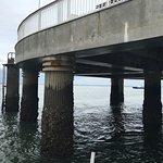 Le quai d'embarquement à marée basse.