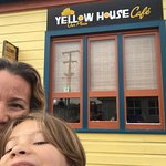 Photo de Yellow House Cafe