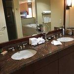 Photo de Hilton Grand Vacations Club at MarBrisa