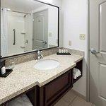 Photo de Embassy Suites by Hilton Tampa Brandon