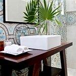 The Diplomat   Paramount Suite Bathroom (203162158)