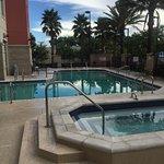 Photo de Drury Inn & Suites Orlando