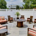 Outdoor Fire Pit & Patio