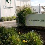 Greenporter Hotel's spring flowers