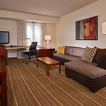 夏洛特維爾萬豪公寓飯店