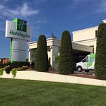 Welcome to the Holiday Inn St. Louis Airport