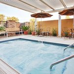 Recreational Facility-Hot spa
