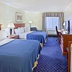Photo of Holiday Inn Express Yakima