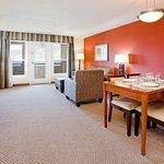 Foto de Holiday inn Hotel & Suites