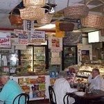 Foto de Francesco's Italian Deli & Pizzeria