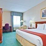 Holiday Inn Express Warren Foto