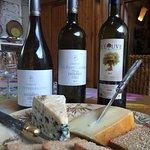 Ostar är ett måste med ekologiska viner till!
