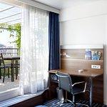 Photo de Holiday Inn Express Marseille-Saint Charles