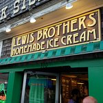 Photo de Lewis Brothers Homemade Ice Cream