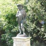"""Statue """"Le joueur de cornemuse"""""""