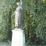 "Statue ""L'Innocence"""