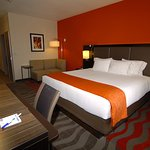 Holiday Inn Express Single King Bed Guest Room