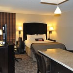 Photo de Holiday Inn & Suites Charleston West